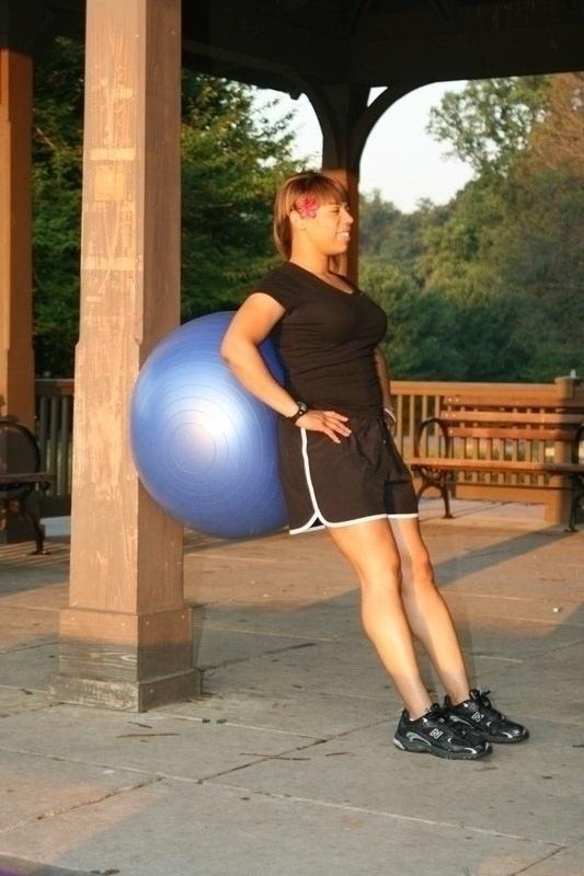 Ball Squat - Start
